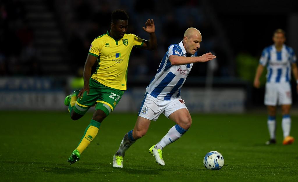 Soi kèo Norwich vs Huddersfield